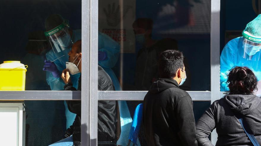 Sanidad notifica más de 11.000 nuevos contagios