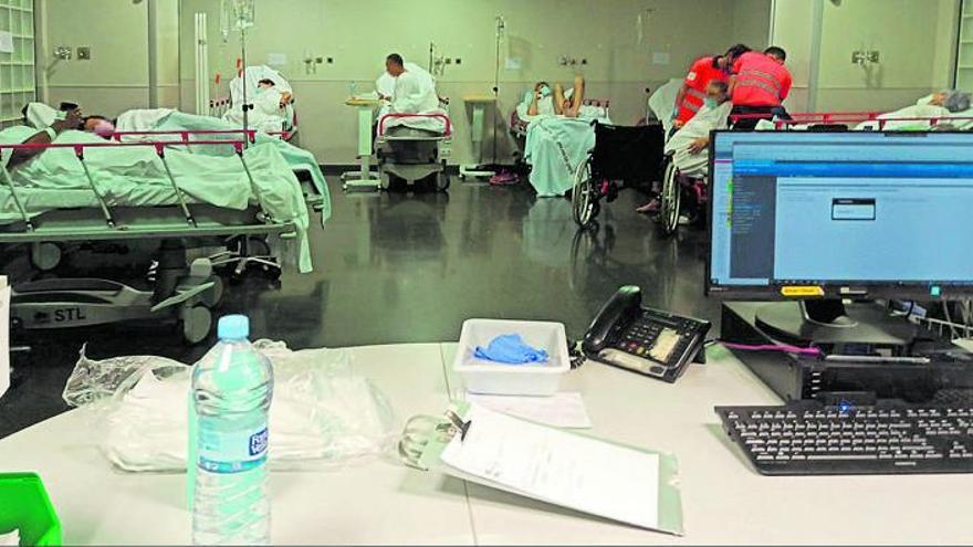 Médicos de Urgencias de Son Espases: «No podemos monitorizar a los pacientes por falta de espacio»