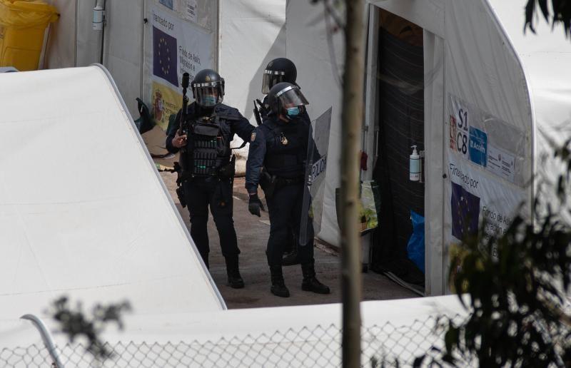Enfrentamiento entre migrantes en el centro de Las Raíces
