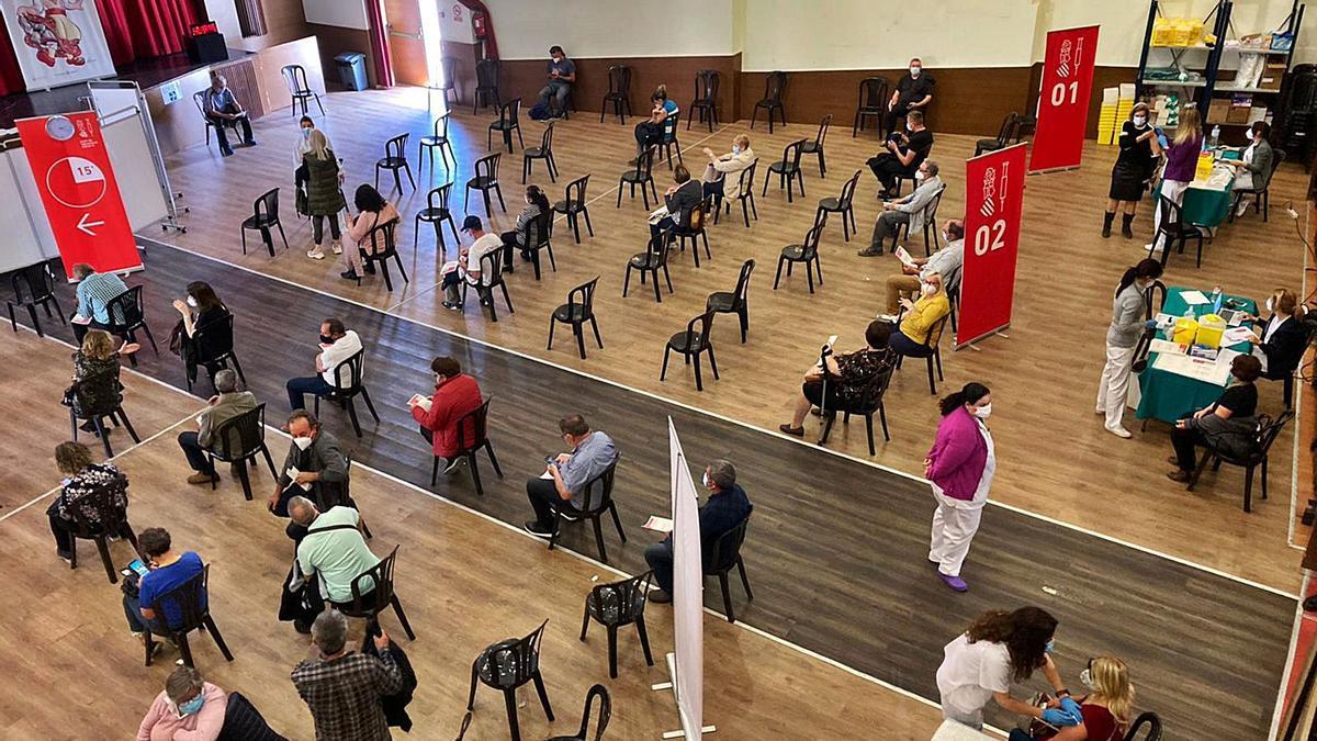 El Museu Faller de Gandia, punto de vacunación masiva de la Safor.   LEVANTE-EMV