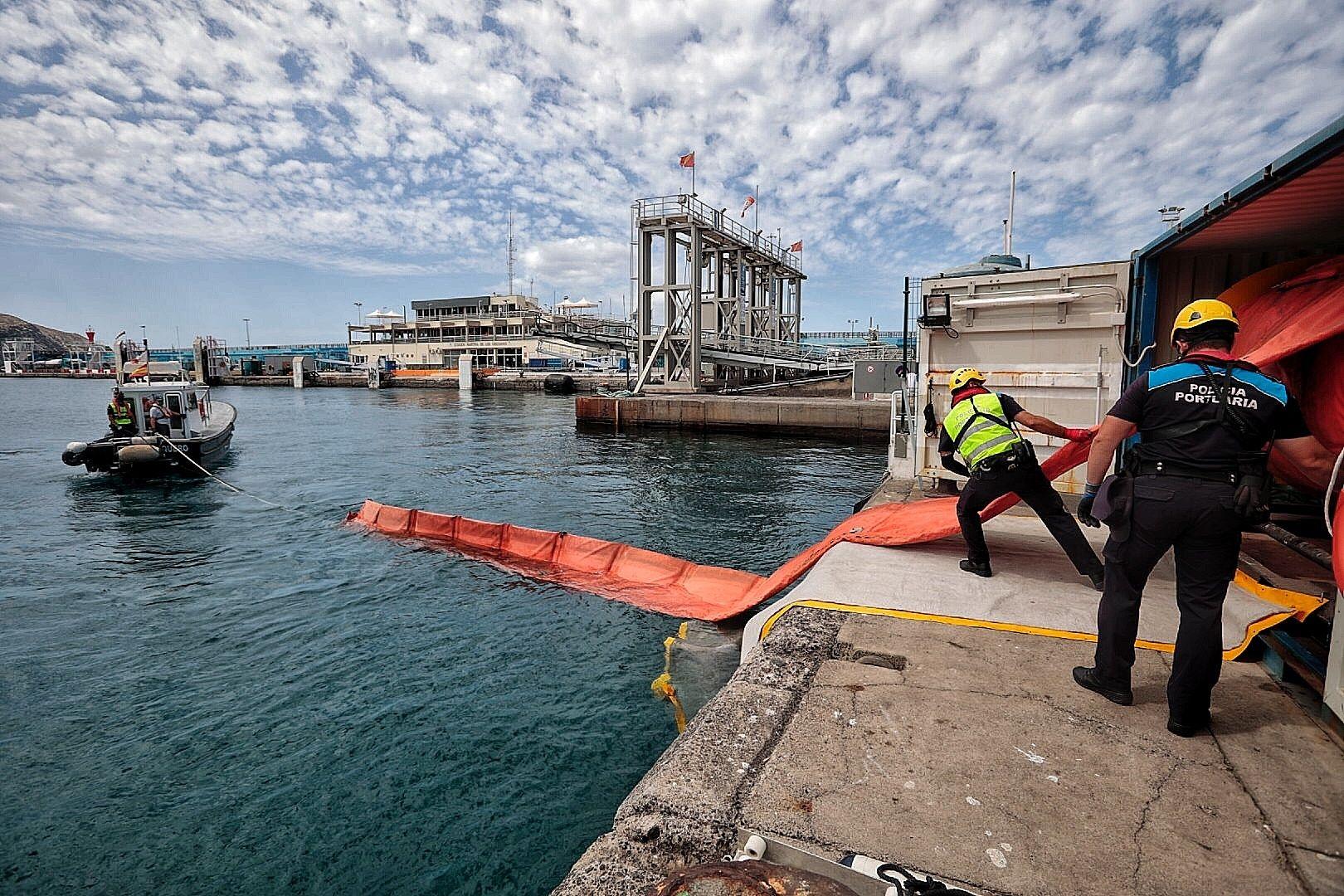 Simulacro de accidente marítimo en Los Cristianos