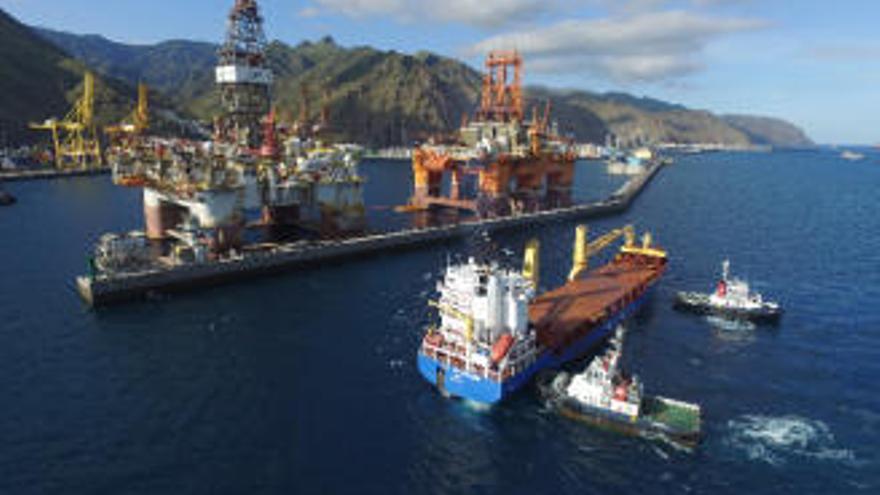 Canarias mueve 3,5 millones de toneladas de mercancías en los dos primeros meses del año