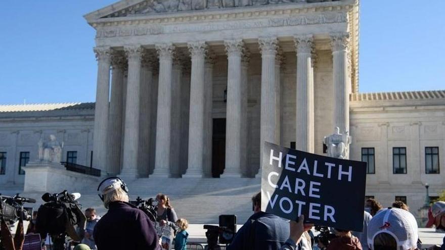 El Supremo da señales de que dejará sobrevivir la reforma sanitaria de Obama