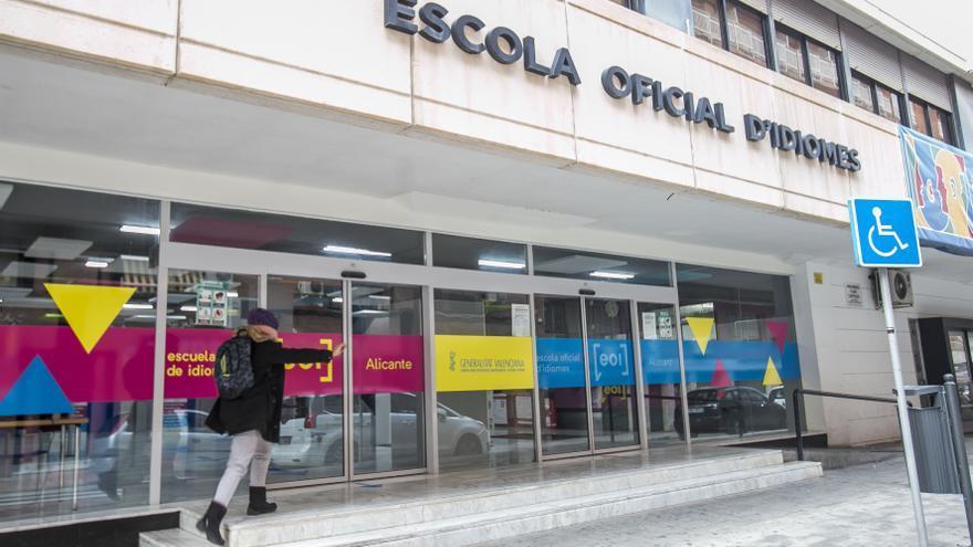 La Escuela de Idiomas de Alicante recupera la calefacción