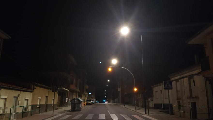 El Ayuntamiento de Zamora renueva el alumbrado de los barrios de San Lázaro y San José Obrero