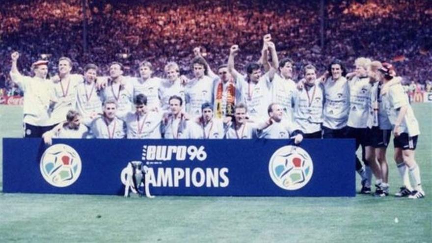 Historia de la Eurocopa: 1996. Bierhoff da la primera Euro a la Alemania unificada