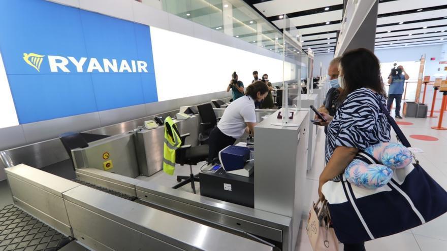 Madrid, Galicia, Francia y Alemania: el aeropuerto de Corvera busca nuevas conexiones