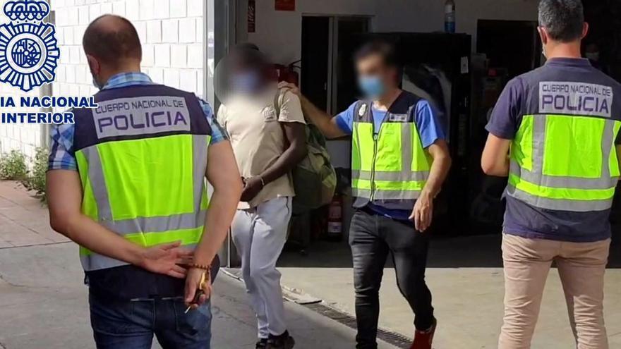 Dos detenidos en Alicante por explotar a inmigrantes en una fábrica pagándoles a 0,58 euros la hora