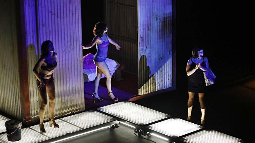 """Tres premios """"Goya"""" sobre el escenario del Jovellanos con """"Prostitución"""""""