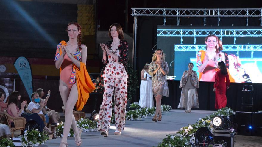La plaza de toros de Orpesa se convierte en una gran pasarela de moda