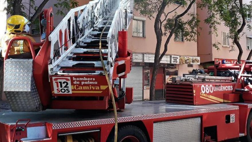 Un incendio destruye una casa en Son Sardina