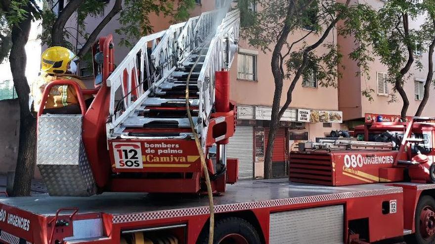Desalojan un hostal de Can Pastilla por un incendio en un radiador