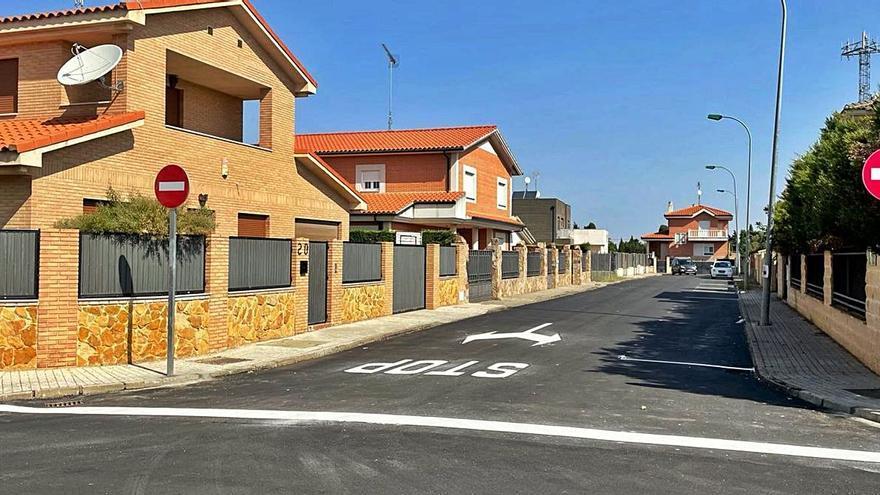 La calle Soria de Benavente pasa a ser de sentido único para mejorar la circulación del tráfico