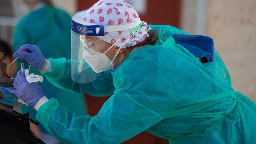 La pandemia deja dos fallecidos en la provincia de Alicante y un nuevo repunte de contagios