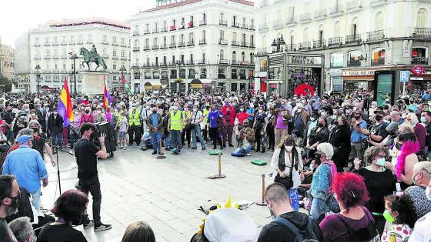 """El 15M reivindica """"las calles"""" en una concentración deslucida en Madrid"""