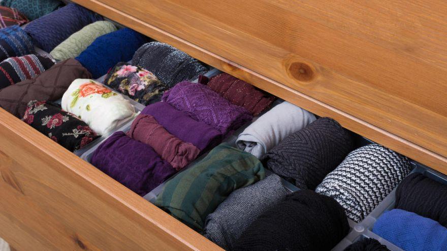 El truco definitivo y sencillo para ordenar tu ropa en el cajón (y que no se arrugue)