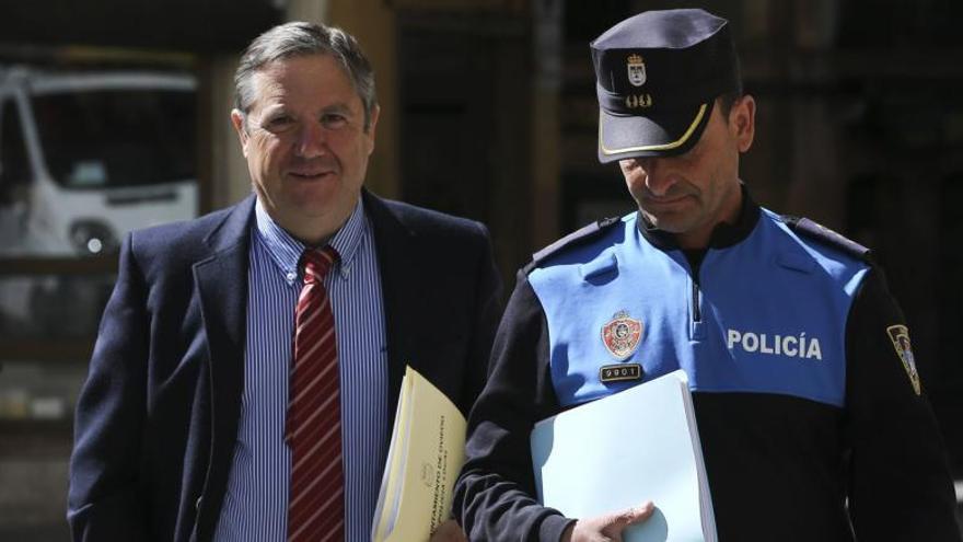 La Policía Local niega que Caunedo tuviera una tarjeta para aparcar gratis