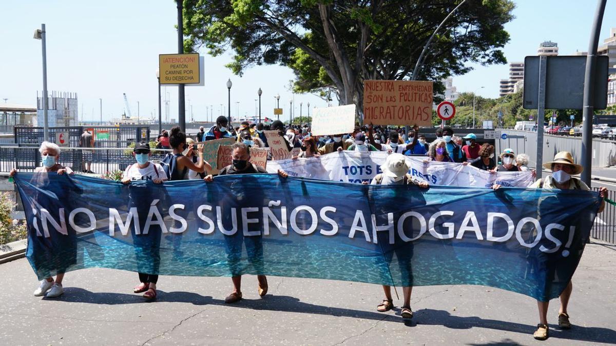 Manifestación en Canarias, este mes de julio 8. «No más sueños ahogados» fue el lema de la acción reivindicativa de este año.