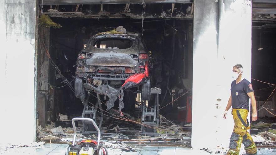 Feuer zerstört Werkstatt in Palmas Vorort Son Ferriol