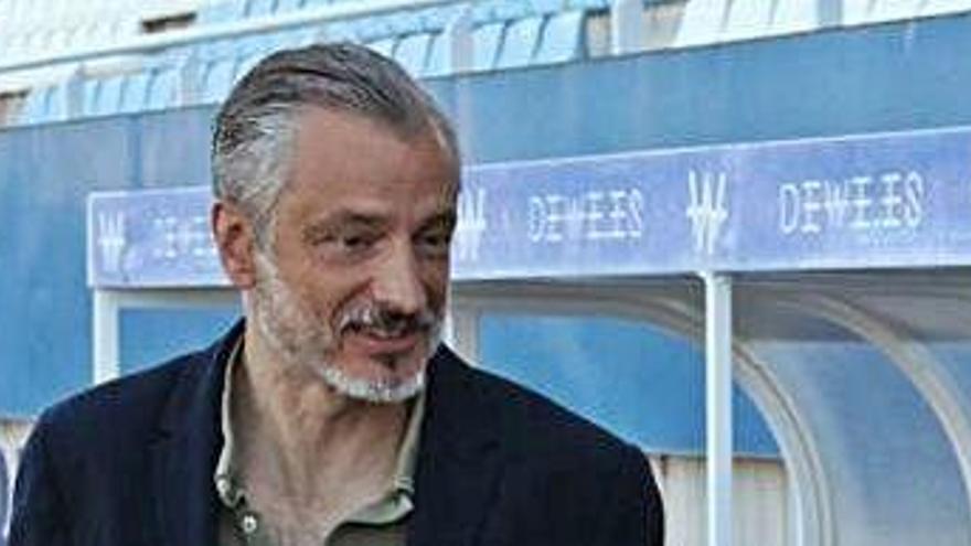 Roberto Torres no paga, cesa a Quique Pina y el Lorca está cerca de desaparecer