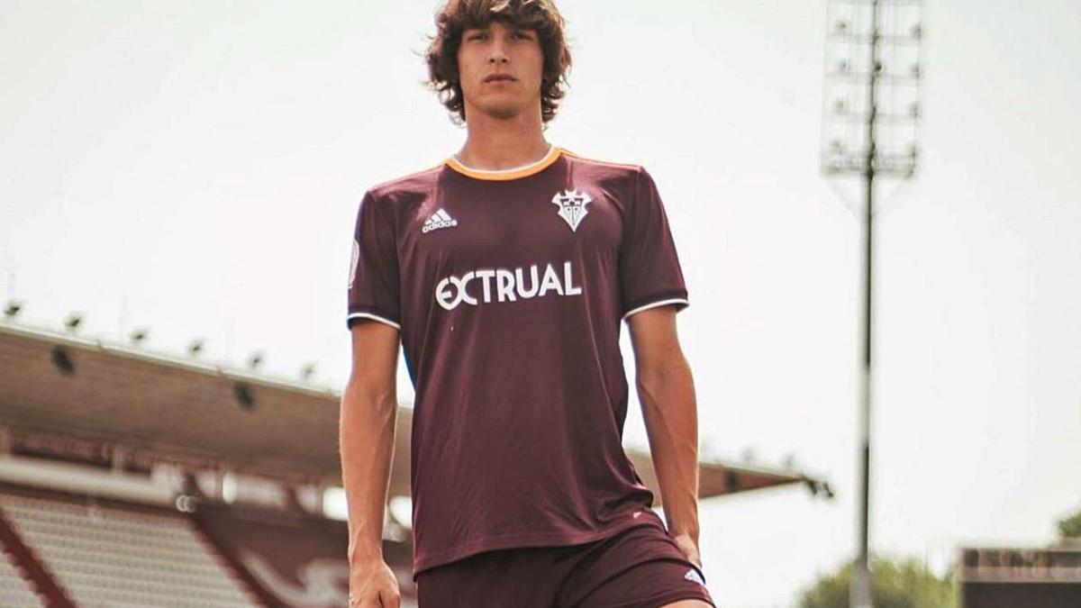 Pau Resta el dia que va ser presentat com a jugador de l'Albacete. | ALBACETE BALOMPIÉ