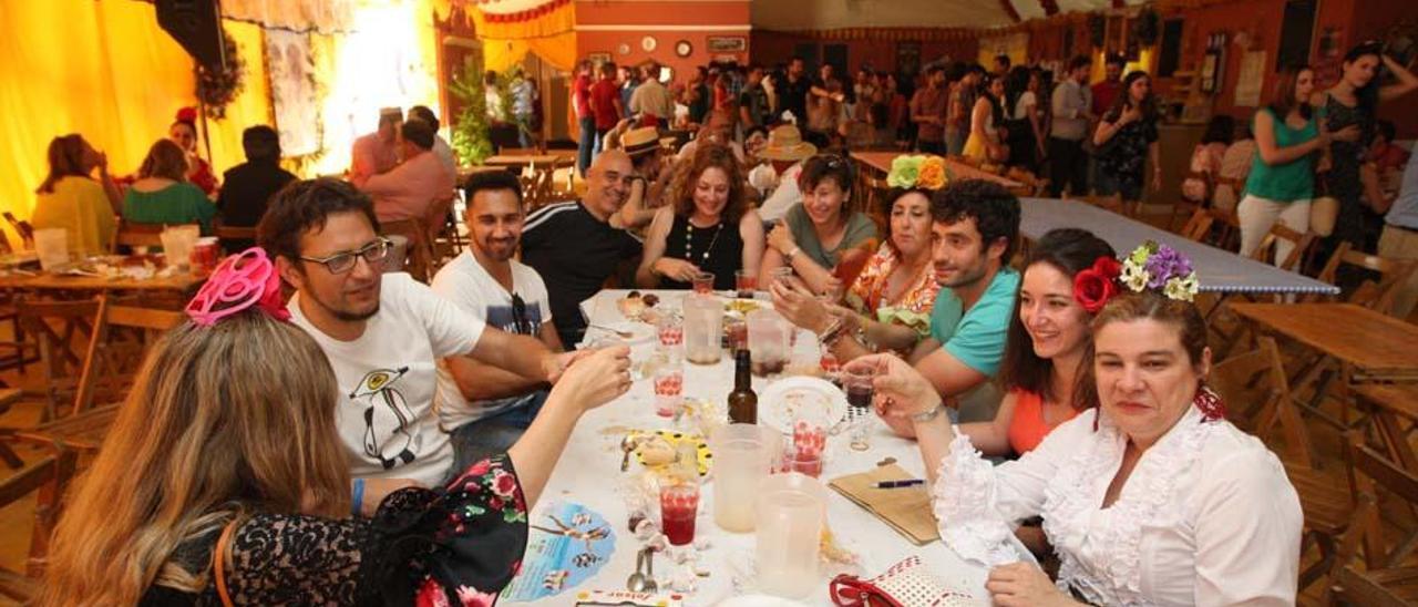 Fotogalería / Martes de Feria en Córdoba. Las casetas premiadas