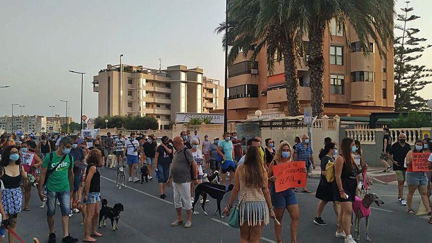 Manifestación en El Campello por el envenenamiento de perros