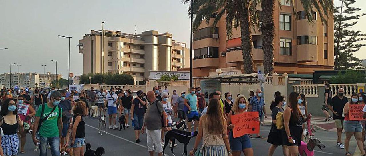 Un momento de la manifestación en El Campello. | INFORMACIÓN