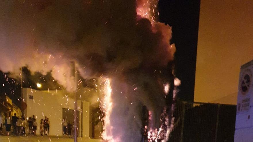 Los bomberos sofocan 67 conatos de incendios durante la noche de San Juan en Cartagena