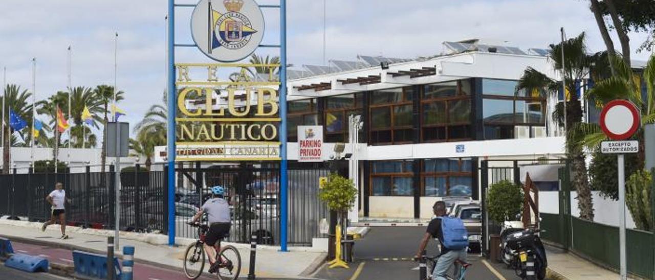Entrada del Real Club Náutico de Gran Canaria.     ANDRÉS CRUZ