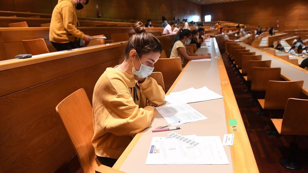 Jóvenes en selectividad (ABAU) el curso pasado.