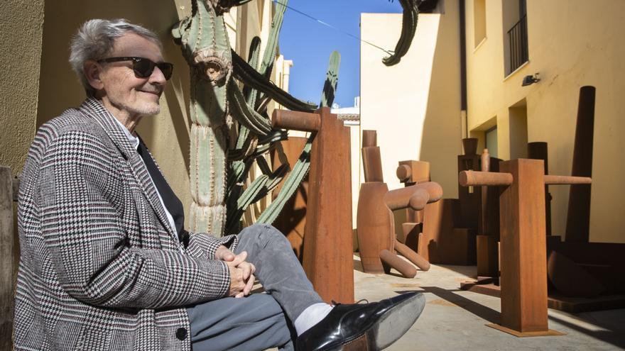 Miquel Navarro abre las puertas de su taller a Levante-EMV para mostrar la futura sede de la fundación que lleva su nombre