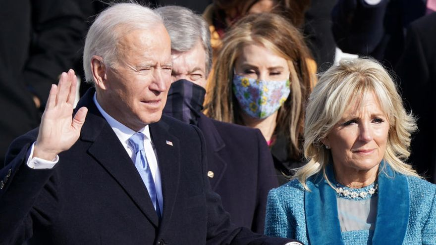 Biden es converteix en el 46è president dels Estats Units amb el repte de superar les divisions de l'era Trump