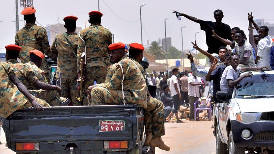 El Ejército de Sudán depone a Al Bashir y toma el poder