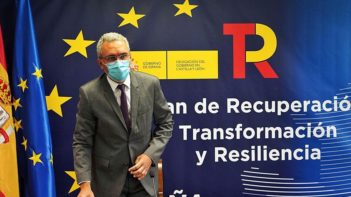 El delegado de Gobierno, Javier Izquierdo, presenta el del Plan de Recuperación Transformación y Resiliencia. | Ical