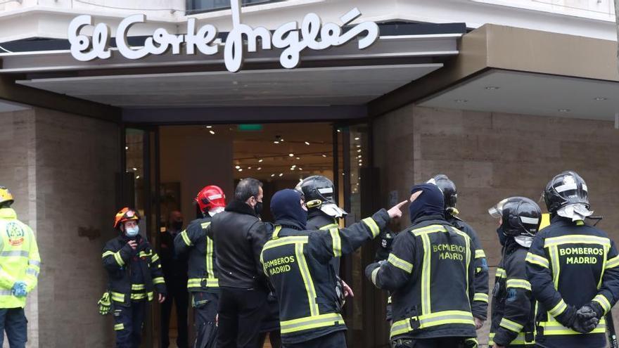 Un incendio obliga a evacuar El Corte Inglés de la madrileña calle Serrano