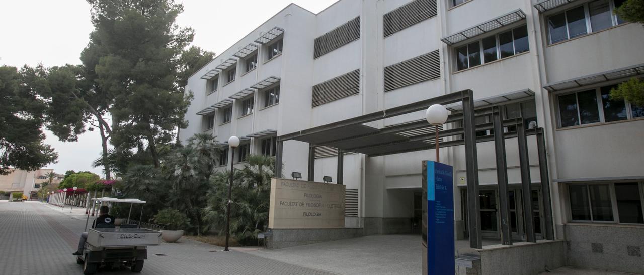 Facultad de Filosofía y Letras en la UA