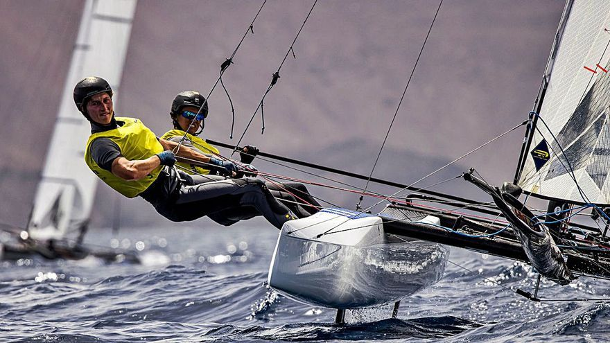 Tara Pacheco y su compañero  Florian Trittel, intratables en aguas de Lanzarote