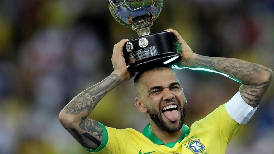 Dani Alves, el mejor jugador de la Copa América 2019 que no tiene equipo