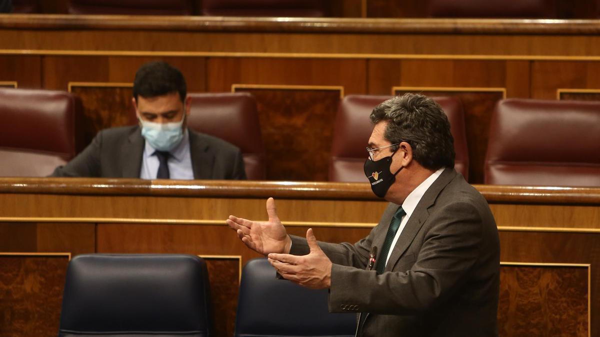 José Luis Escrivá en el Pleno del Congreso.