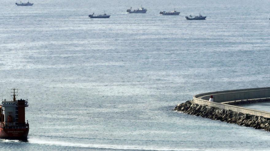 Prisión con fianza de 50.000 euros al patrón del buque ruso