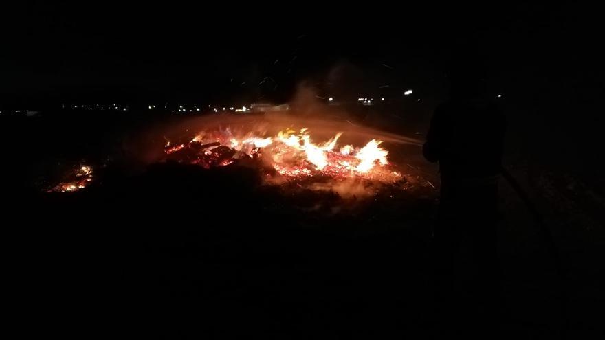 Un incendio en terrenos de cultivo obliga a movilizar a los bomberos de Toro