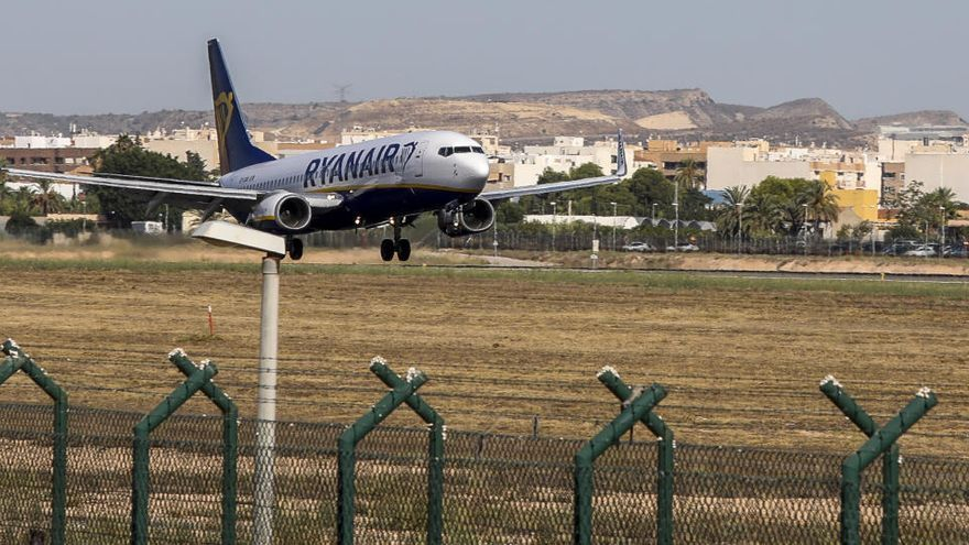 El Altet recibió un 80% menos de vuelos internacionales durante julio