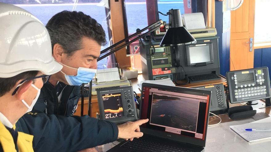 Salvamento Marítimo realiza un simulacro de la lucha contra la contaminación en la ría de Vigo