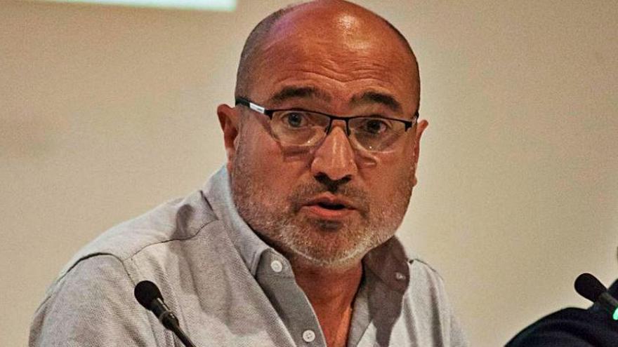 La Diputación paraliza la reedición  de un libro sobre Alfons Roig