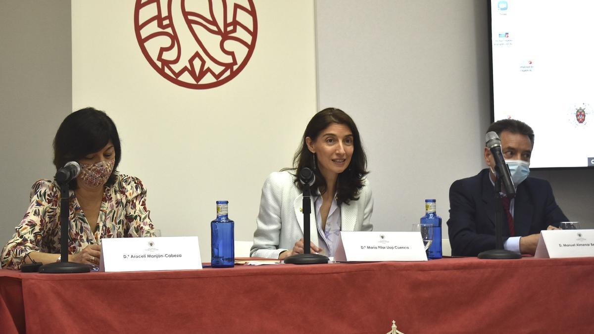 Pilar Llop en los cursos de verano de El Escorial.