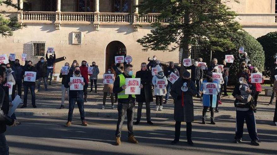 Gastronomen trotzen dem Verbot und demonstrieren auf Mallorca