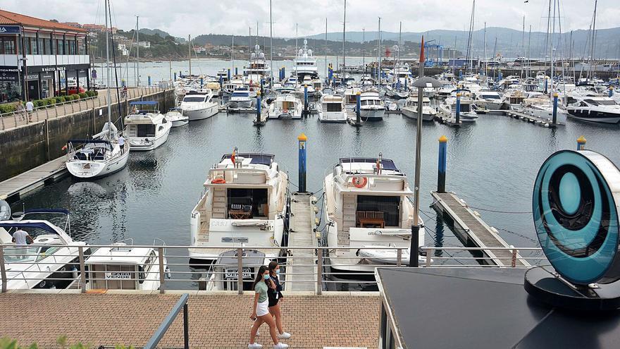 El puerto deportivo de Sanxenxo completa el alquiler de plazas de amarres en agosto
