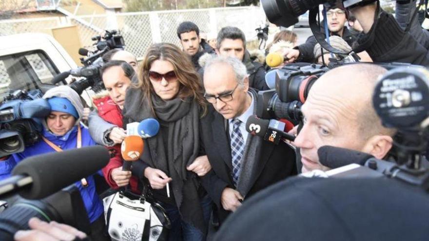 """Los padres de Nadia defienden la """"normalidad"""" de las fotografías bajo sospecha"""