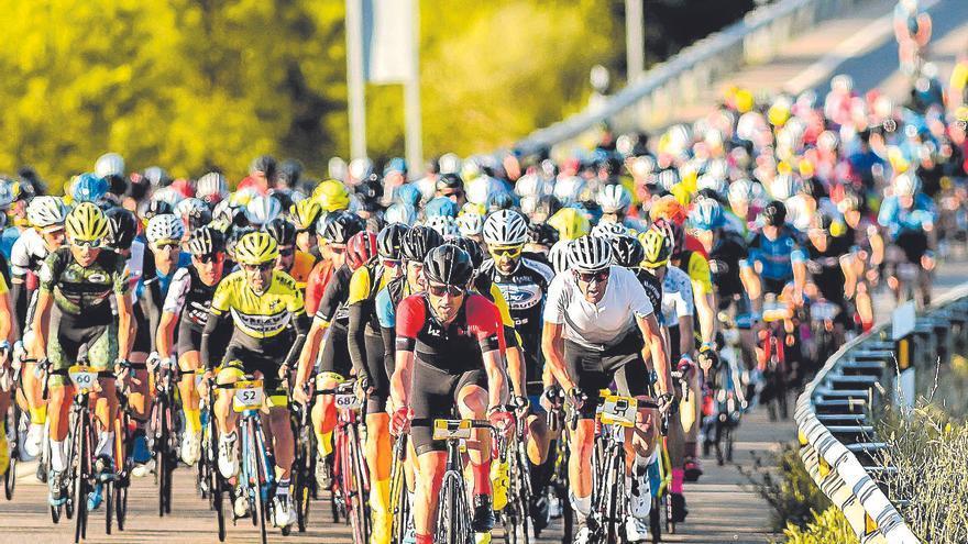 6.000 ciclistas se dan cita en la vuelta de la Quebrantahuesos